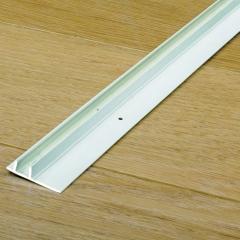 Quick-Step Plastová vodící lišta pro sokl 77x14mm